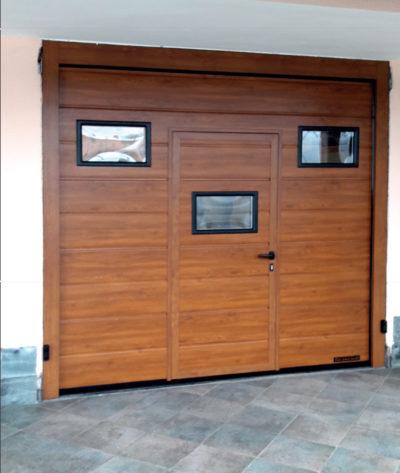 portoni sezionali con porta pedonale